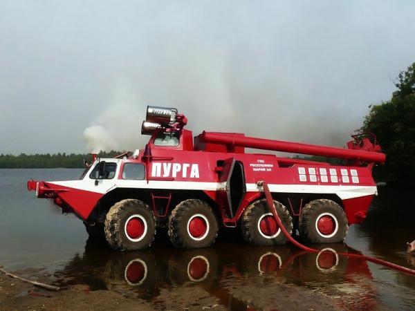 Специализированная пожарная машина