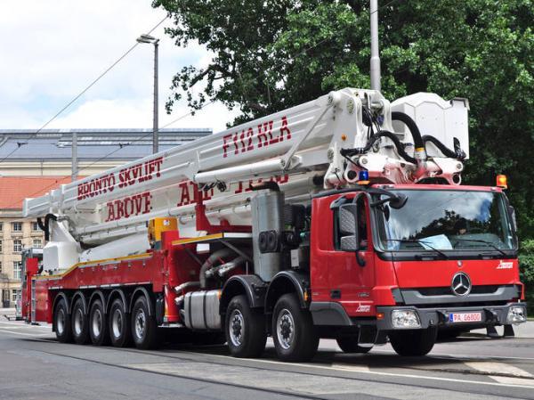 Самая высокая пожарная машина