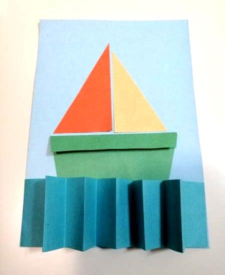 Лодочка из цветной бумаги