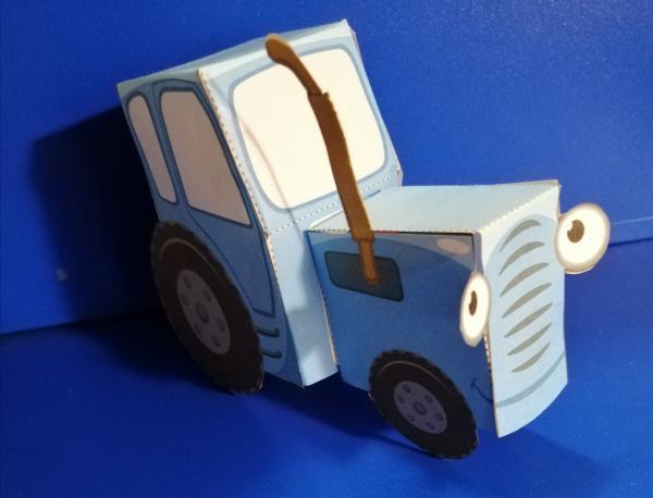 Синий трактор из бумаги